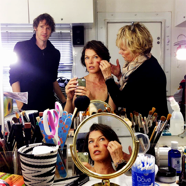 Milla Jovovich şi regizorul Paul WS Anderson pe platourile de filmare pentru Resident Evil: The Final Chapter