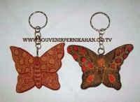 souvenir gantungan kunci kayu batik