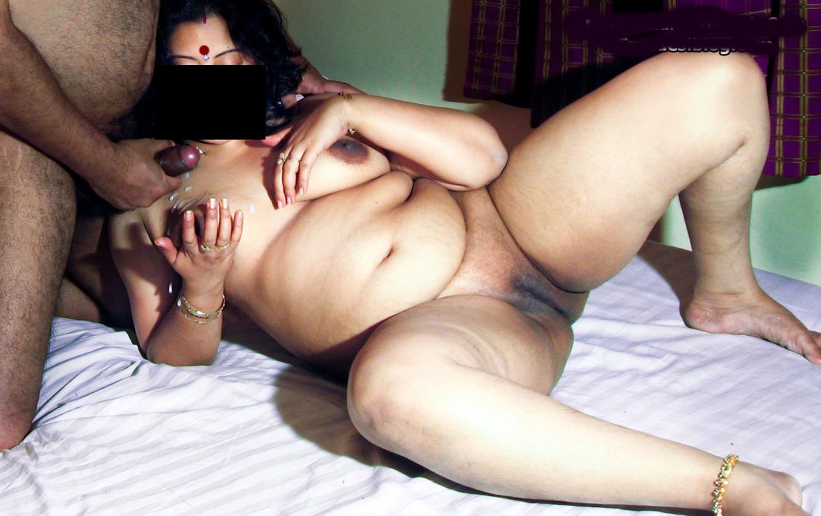 Desi Aunty Big Ass Bangladeshi Magi Choder Photo -8533