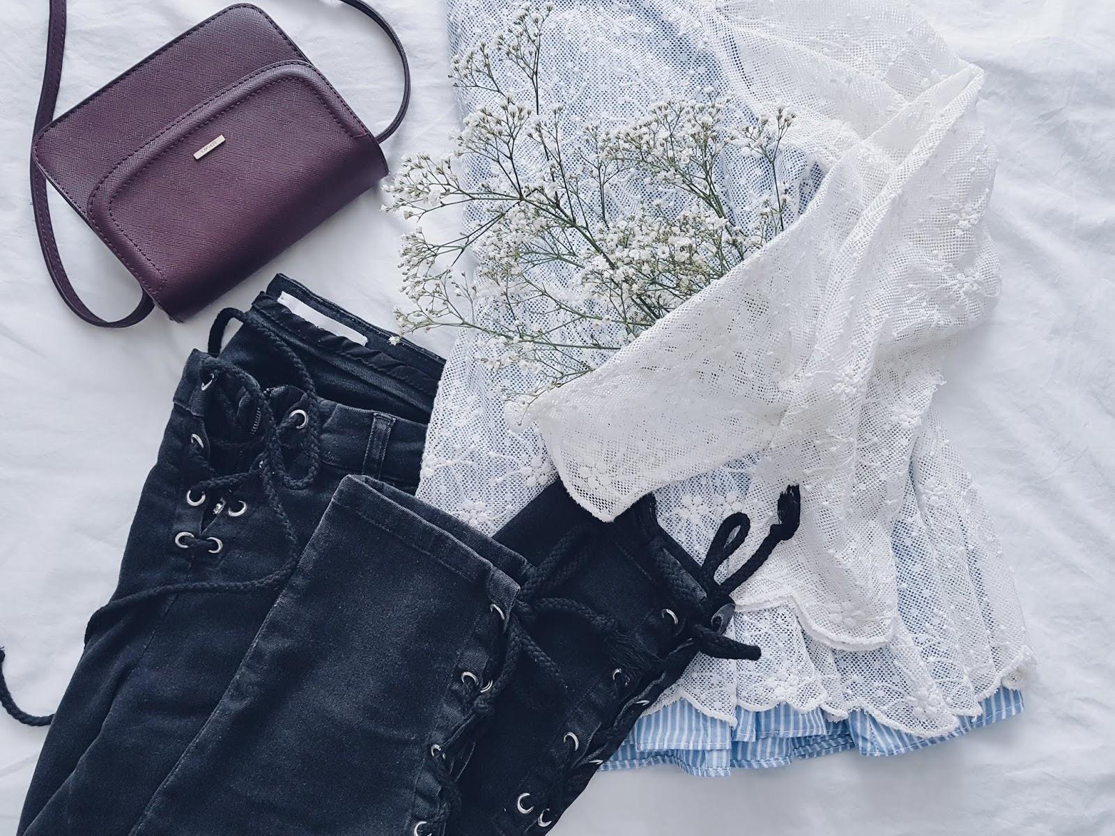 Lace top & laced up jeans czyli koronki i wiązania