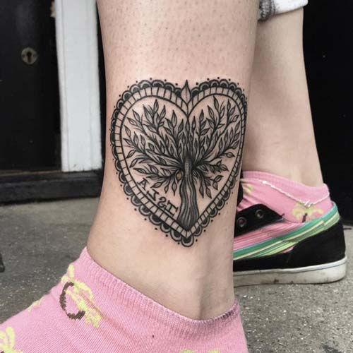 ankle heart tattoo with tree ayak bileği kalpli ağaç dövmesi