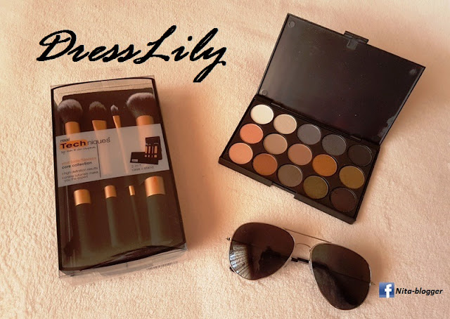 www.dresslily.com/4-pcs-aluminum-tube-fiber-makeup-brushes-set-with-black-brush-bag-product1488986.html?lkid=1528863