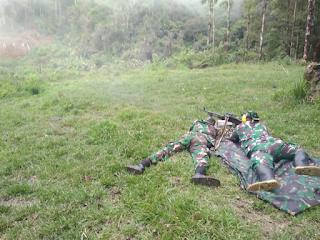 Paskhas Gelar Latihan Menembak Senjata Bantuan dan Sniper