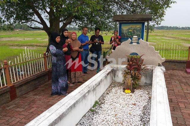 Sejak 2010... Siapa lelaki Singapura sering masuk Malaysia hanya untuk pergi ke makam-makam lama?