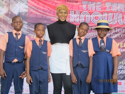Stephanie Linus mentors students at the Lagos Book & Arts Festival 2016