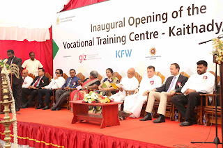 Vice Chairman VTA (Mr. Sugath Handunge- Attorney at law) addresses the gathering, joined by board members of the VTA, Chairman-VTA (Major General Gamini Hettiarachchi), Additional GA-Jaffna (Mr. Senthilnanathanan), Senior Advisor-GIZ-VTN (Mrs. Kumudhini Rosa), Additional Secretary-Ministry (Mrs. Nailanthi Sugadhadhasa), Governor-NP (Hon. Reginald Cooray), Minister-Ministry of Skill Development and Vocational Training (Hon. Mahinda Samarasinghe), Charge de Affair-Embassy of Germany for Sri Lanka and the Maldives (Dr. Michael-Dohmen), Member of Parliament-(Hon. Angajan Ramanathan), Director General-VTA (Mrs. Chulanagani Perera)