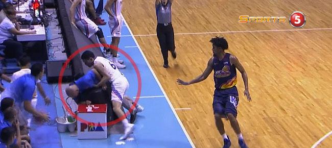 Kevin Alas Unintentionally Bumps coach Yeng Guiao (VIDEO)