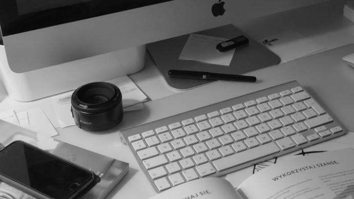 Wallpaper 3: Apple Tech MacBook iPhone