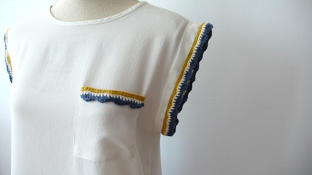Camisa-blanca-con-puntilla-de-ganchillo