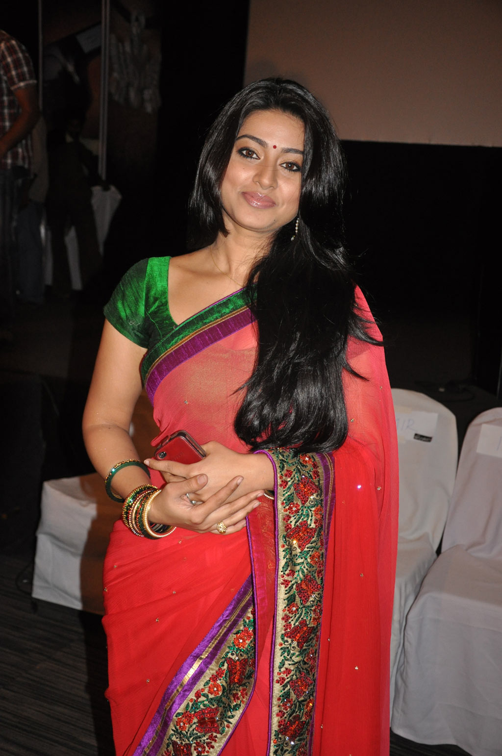 Sneha hot navel show in saree