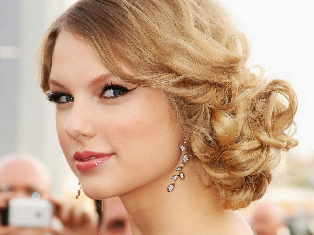 Taylor Swift Beautiful Images: COOGLED: TAYLOR SWIFT CUTE HD WALLPAPERS