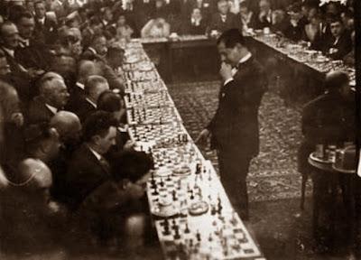Simultáneas de Capablanca en el Moka Efti de Berlín en 1930