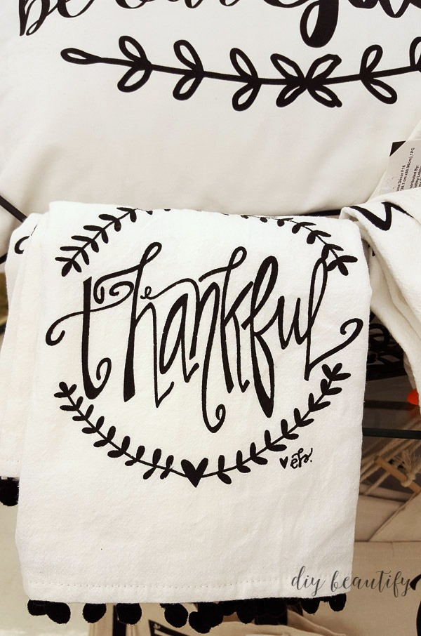 Thankful fingertip towel