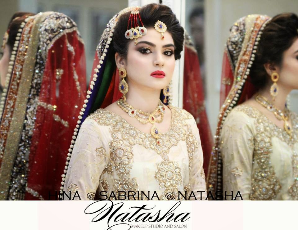 6ee57046c9 Most of girls like to wear dark colors on barat and light on walima.Now we  are going to show some latest bridal make-up Looks.