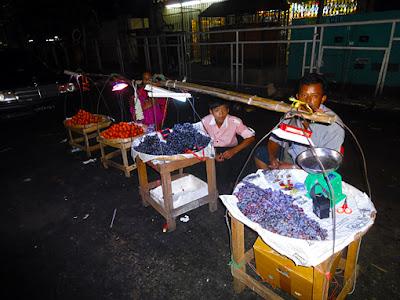 Theingyi Zay Market in Chinatown