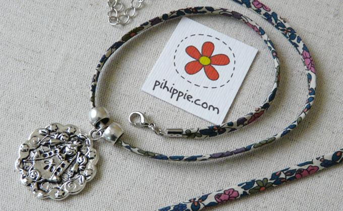 Regalos Comunión collar cordón Liberty medalla Virgencita original invitados