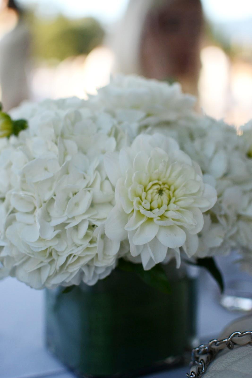 Diner en Blanc Vancouver aleesha harris floral arrangement