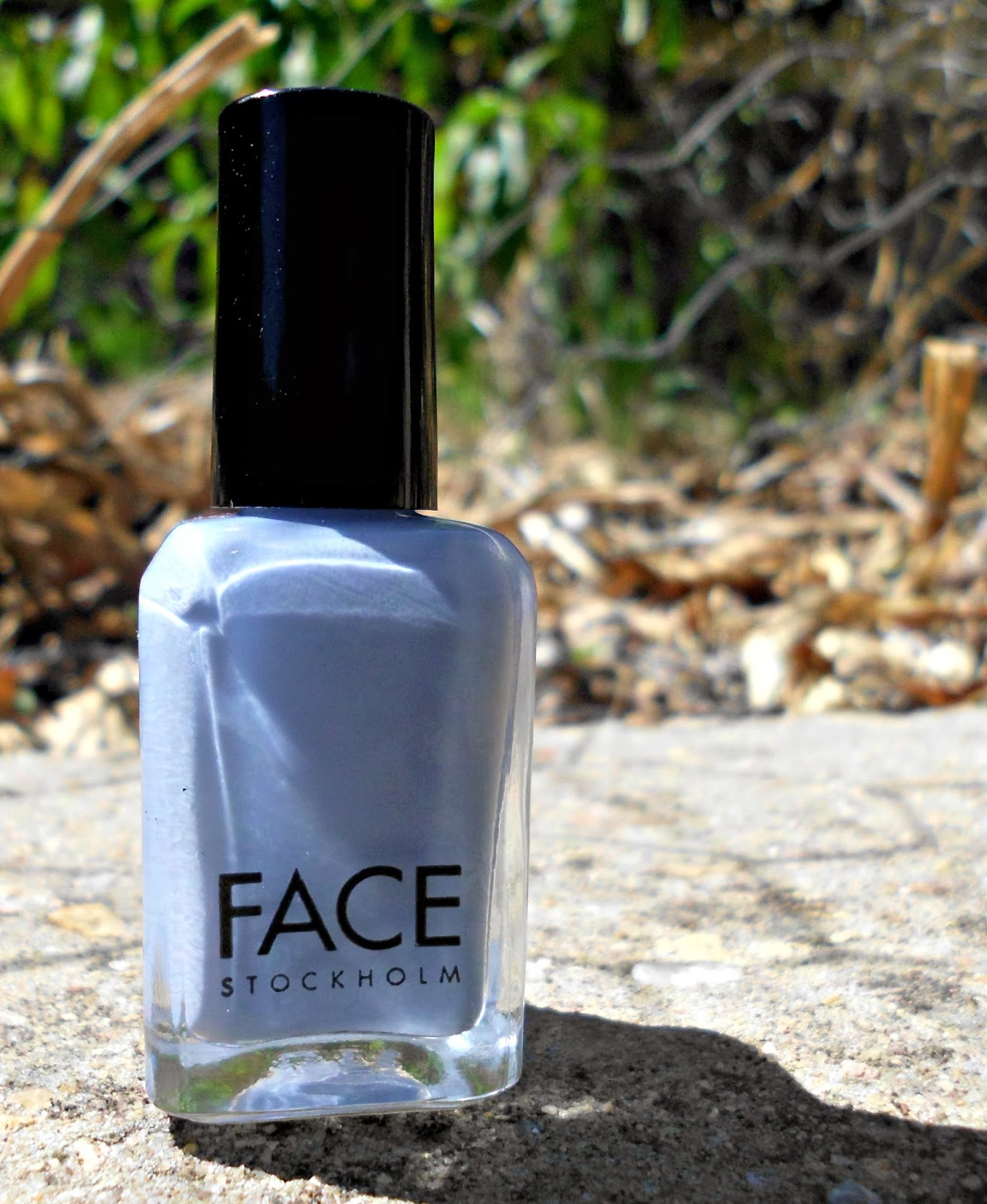 YouReview: NOTD - Face Stockholm nail polish in Want-a-blue