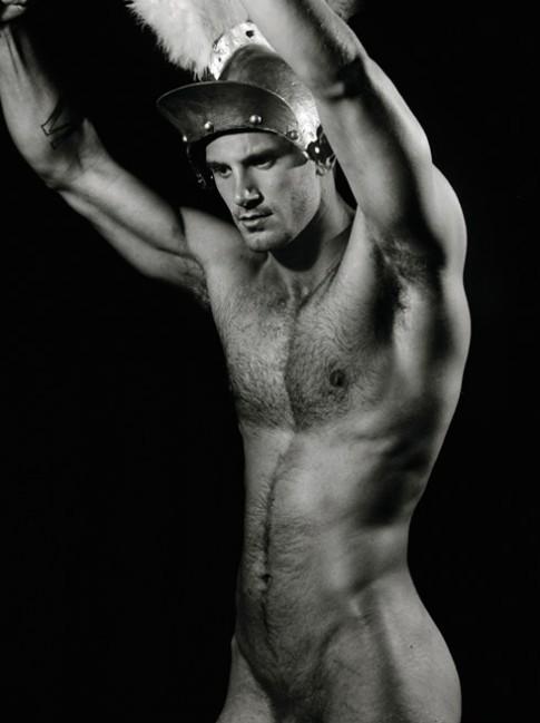 Divertido desnudo masculino