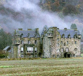 Humor Feast: Author buys River Tay mansion
