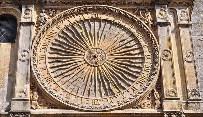 История часов и башенные часы
