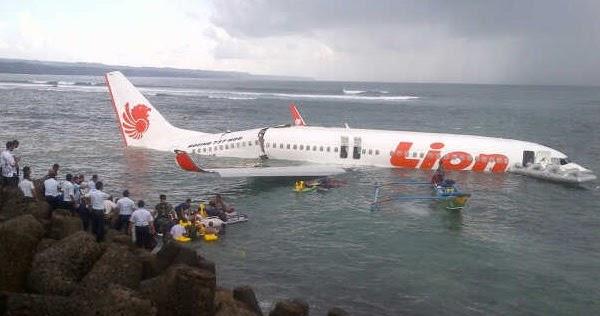 Foto-Foto Pesawat Lion Air Jatuh di Laut Bandara Ngurah ...