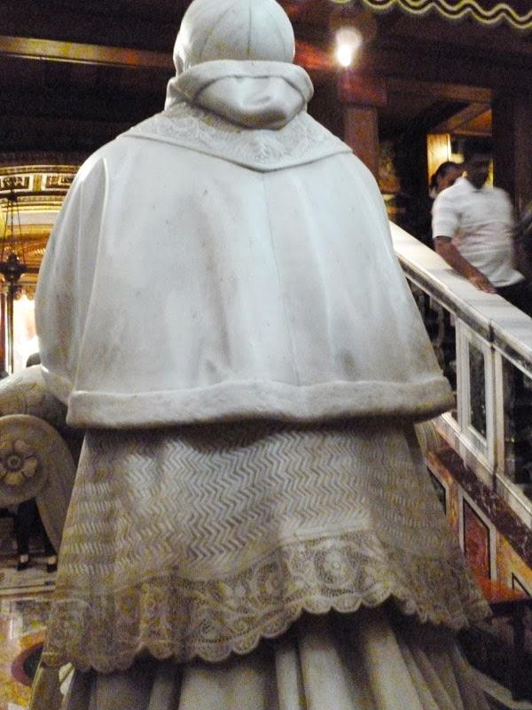 Escultura de costas, Pio IX,  Basílica de Santa Maria Maior