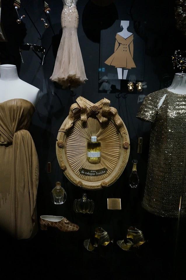 medaillon plissé eau de cologne fraiche 1955 Christian Dior