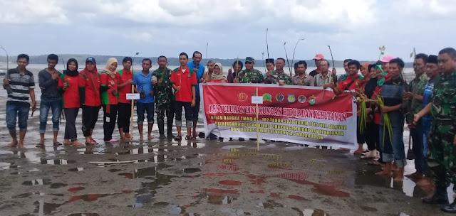 Bersama Pemkab Kep Selayar, Tim Satgas TMMD 102, Revitalisasi Hutan Mangrove