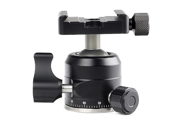 Sunwayfoto XB-28 Low Profile Ball Head control knobs