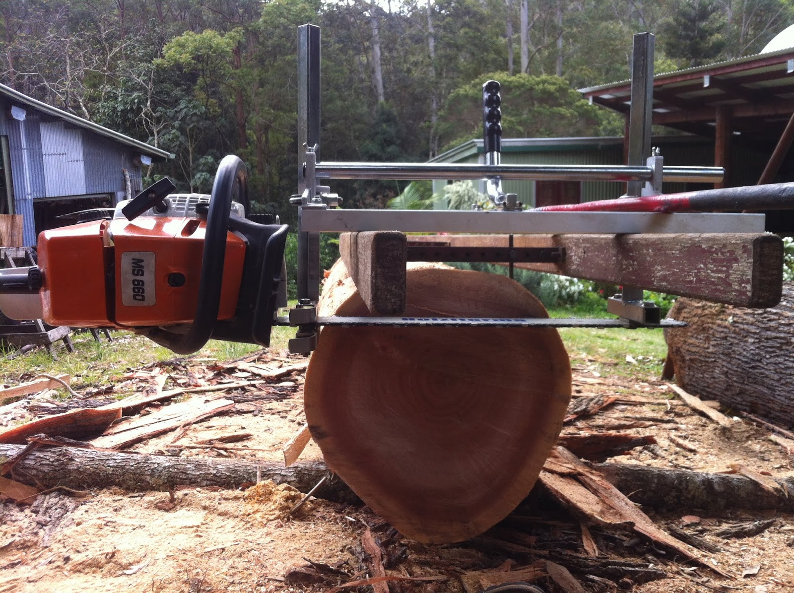 Bruce Teakle's Pages: Holzfforma/Huztl Alaskan Chainsaw Mill Review