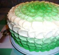 украшение торта кремовыми лепестками