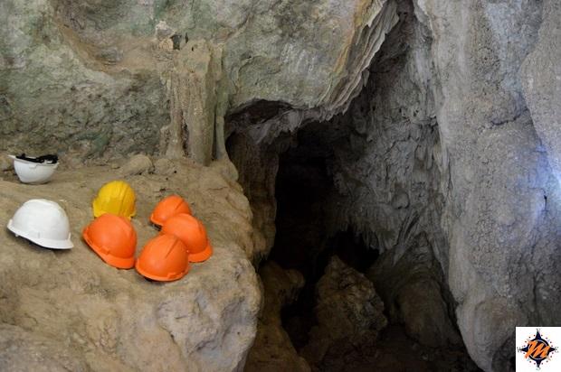 Labuan Bajo, Goa Batu Cermin