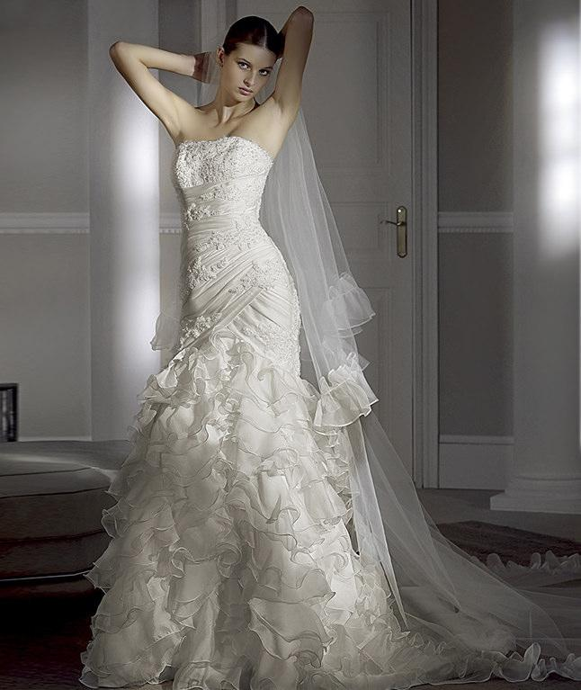 Silver Wedding Dresses For Older Brides: Jewelry Designs: Elegant Wedding Dresses