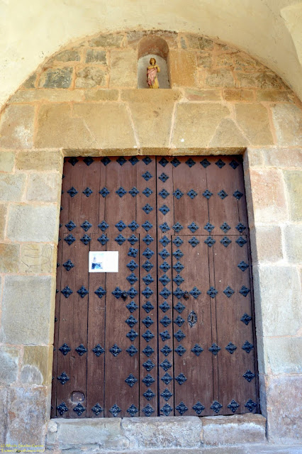 tormón-teruel-iglesia-parroquial-entrada