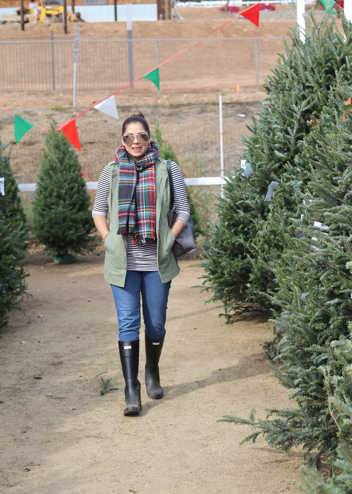 Christmas Tree Shopping, socal fashion blogger, winter in san diego, how to wear hunter boots, what to wear this christmas