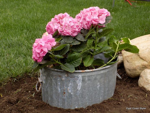 home curb appeal eastcoaststyler.blogspot.com recycled barrel