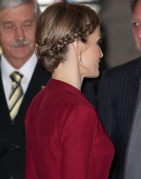 King Felipe VI of Spain and Queen Letizia, Rector of University of Salamanca Daniel Hernandez Ruiperez, Rector of UNAM Jose Narro and Director of Cervantes Institute Victor Garcia