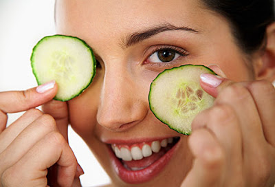 Cucumber has several wonderful benefits for healthy skin. Check the info graphic of Cucumber benefits.