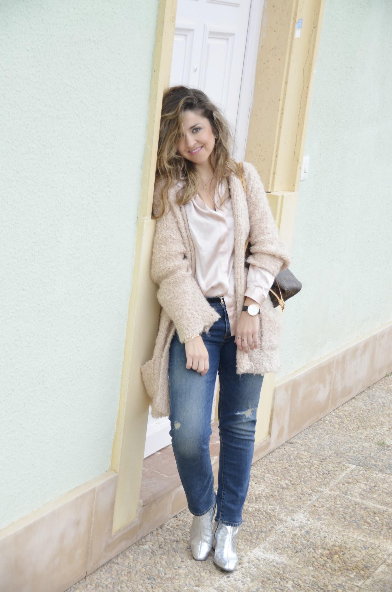sfera cardigan silver boots levis boyfriens tarasessence fashionblogger