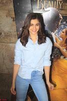 Alia Bhatt in Denim and jeans with NGO Kids 14.JPG