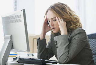 7 Cara Mengatasi Mata Cepat Lelah di Depan Komputer , Lapto , Buku dll