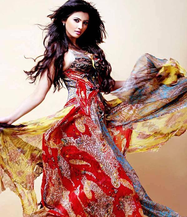 Free Hd Wallpapers: Sexy Daisy Shah Photoshoot