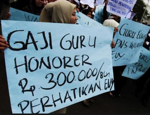Jeritan Para Honorer Yang Menunggu Gajian Untuk Membayar Utang
