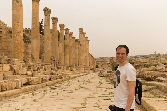 Alber en el Cardo Máximo de la ciudad romana de Jerash