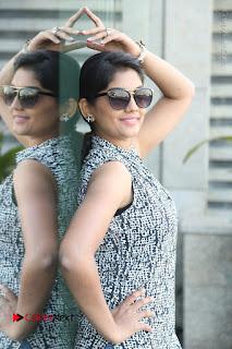 Telugu Television Actress Karuna Latest Pos In Denium Jeans  0058.JPG