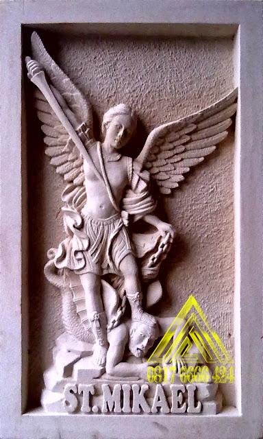 Relief batu alam paras jogja, paras putih ST MIKHAEL