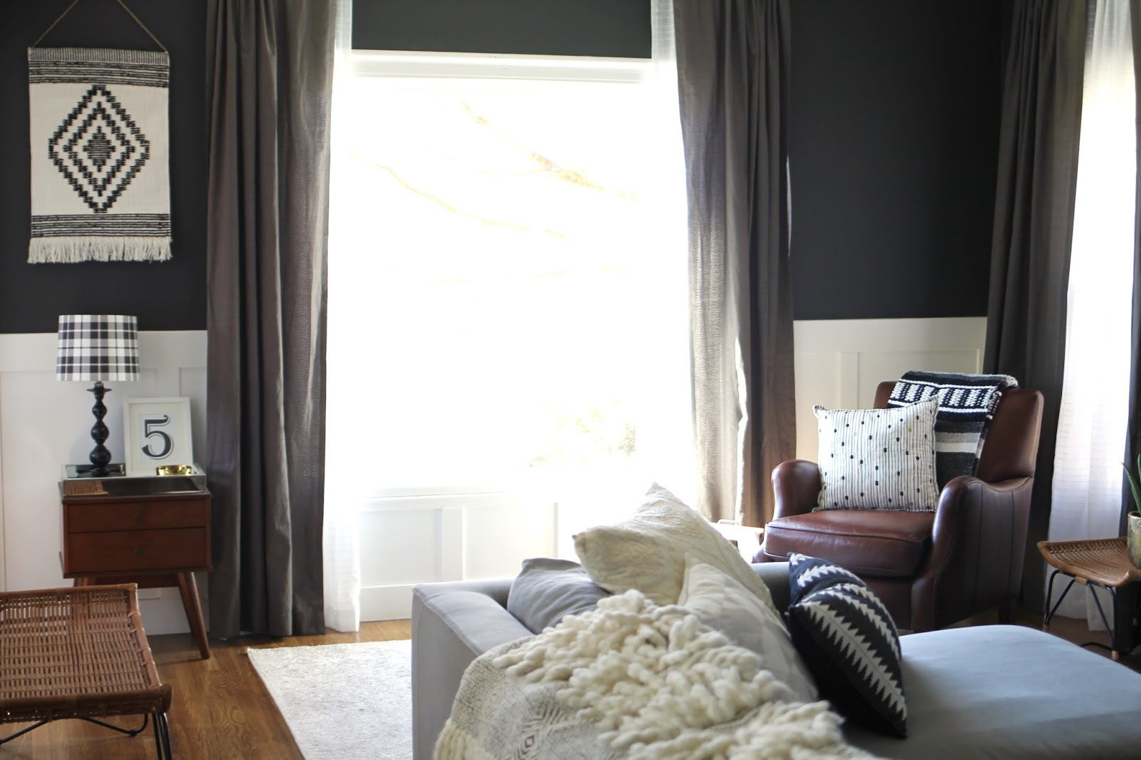 charcoal, living, room, benjamin moore, wrought iron