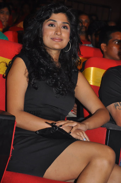 anjala zaveri at paruchuri awards, anjala zaveri phoots actress pics