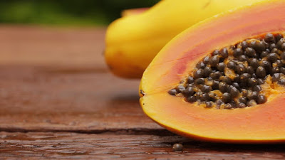 papaya to remove dark spots naturally at home